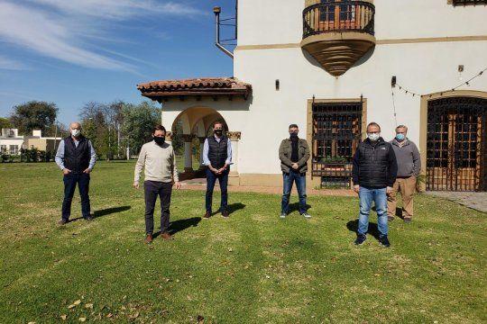 De izquierda a derecha: Néstor Grindetti, Jaime Méndez, Julio Garro, Jorge Macri, Diego Valenzuela y Joaquín de La Torre. El Grupo Maipú de Juntos por el Cambio.