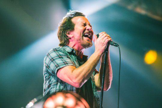 Eddie Vedder, el líder de Pearl Jam,acaba de lanzar un nuevo single, Cartography.