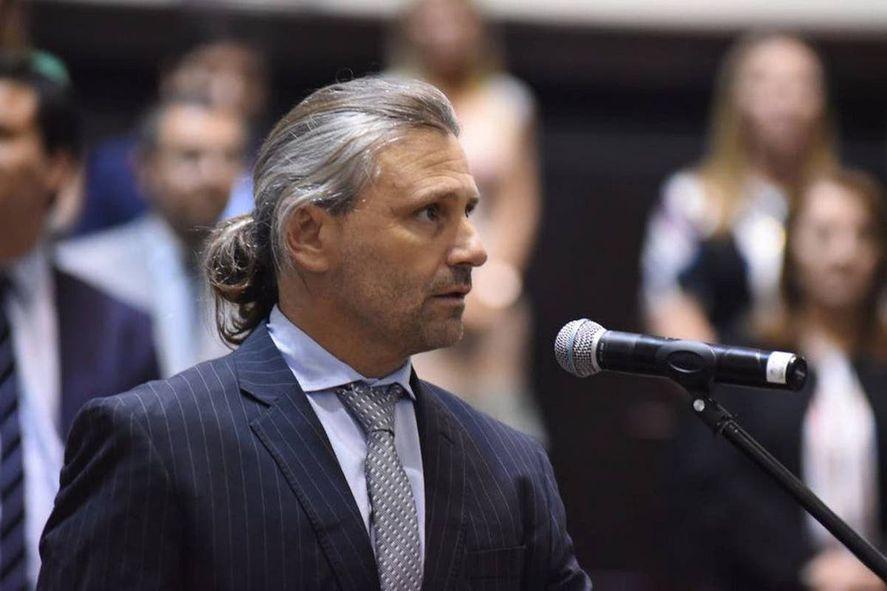 Sergio Berni presentó lista en la segunda. Lo acompaña Marcos Di Palma
