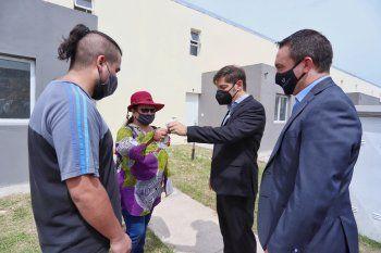 El Gobernador bonaerense, Axel Kicillof, entregó 56 viviendas en Florencio Varela.