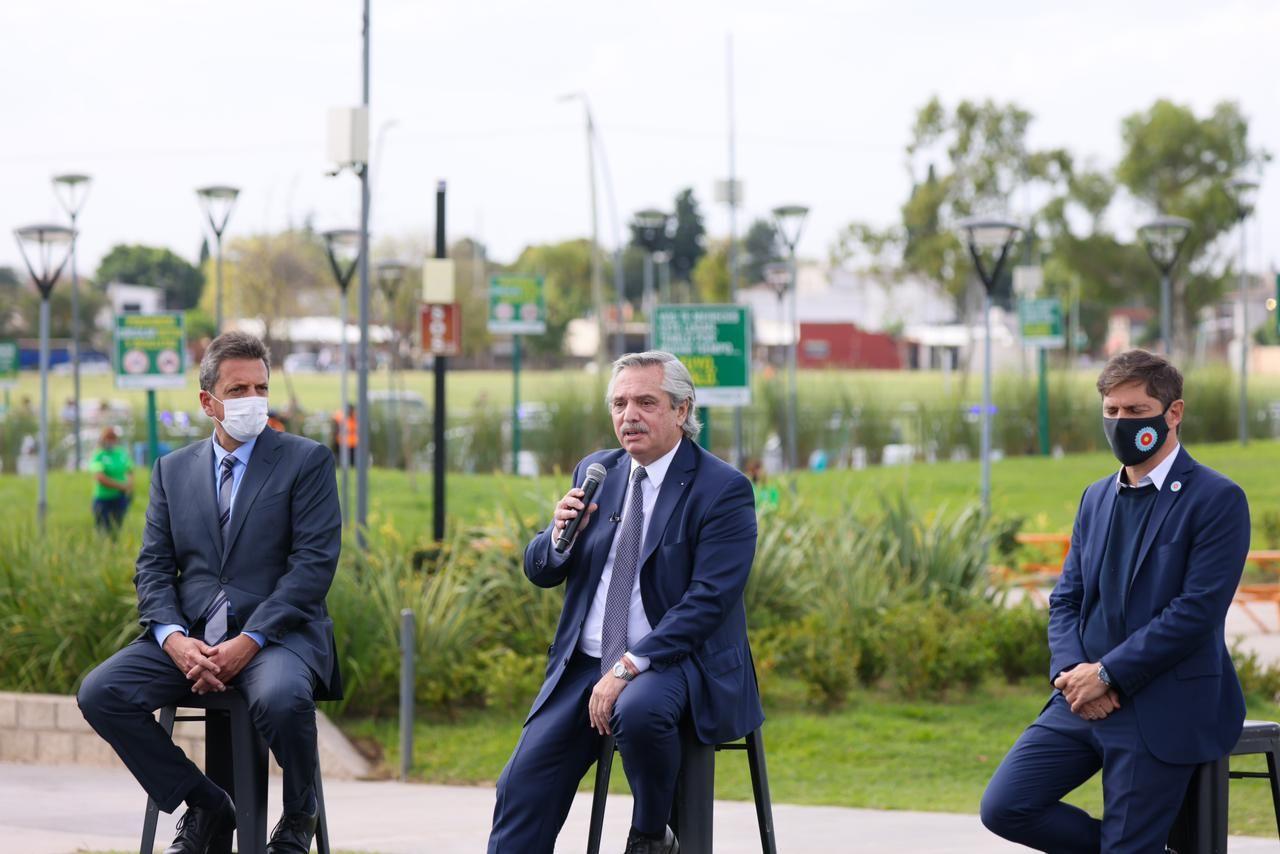 Alberto Fernández, Sergio Massa y Axel Kicillof encabezan un acto oficial