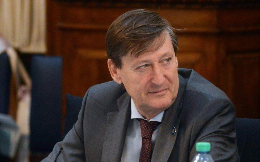 """Le piden a un diputado PRO que """"abandone su banca"""" tras una publicación misógina"""