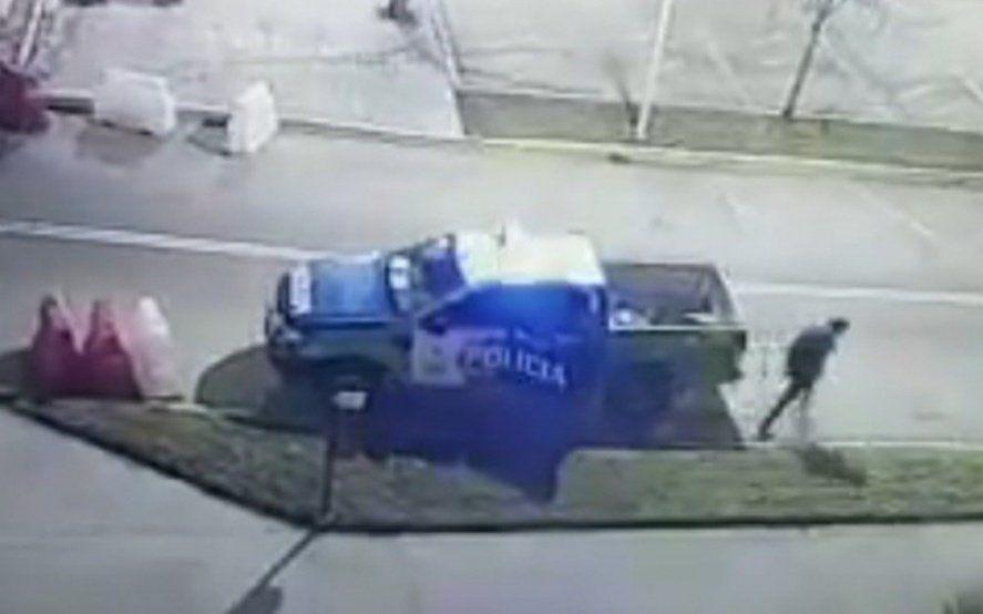 Lomas de Zamora: se durmieron dos policías y un detenido se escapó esposado desde un patrullero