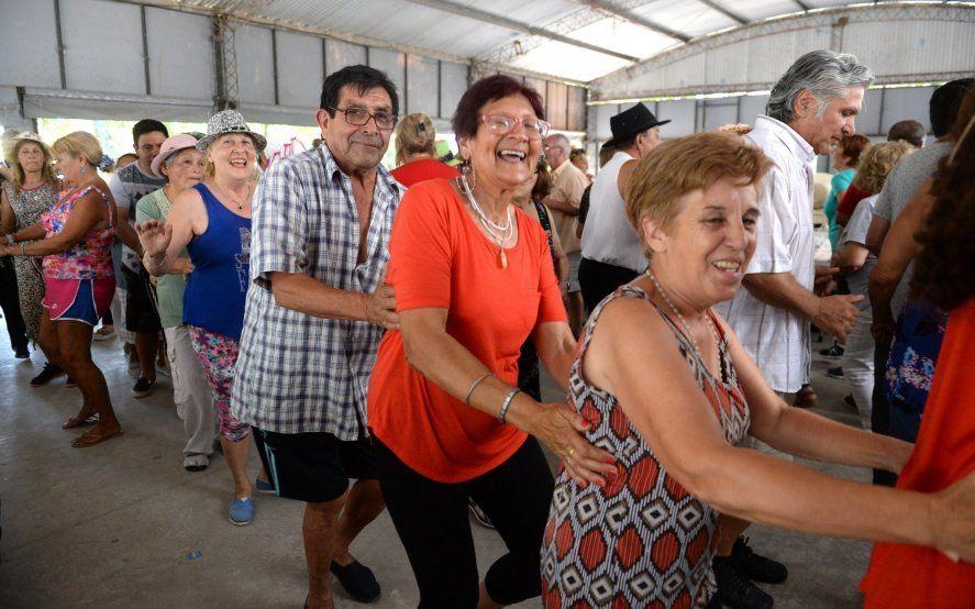 Abuelos de vacaciones: más de mil jubilados disfrutan de la tradicional colonia de verano