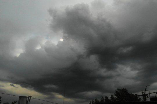 anuncian tormentas fuertes con rafagas y ocasional caida de granizo en el noroeste de la provincia