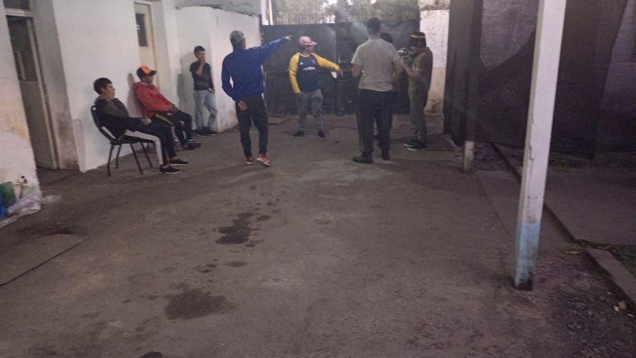 la plata: rescatan a unas 50 familias que eran victimas de trata de personas