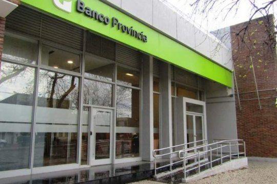 los bancos reabren para atender a jubilados, pensionados y beneficiarios de planes sociales