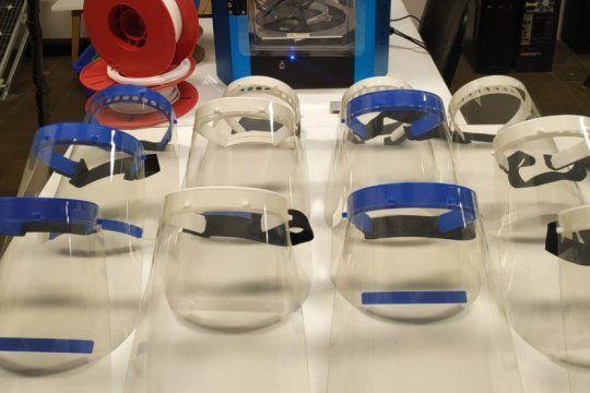 universidades de la provincia fabrican mascaras para hospitales: piden impresoras 3d para aumentar la produccion