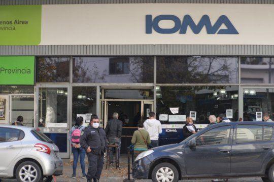 ioma va a fondo con la denuncia contra la amp: ?pudo haber defraudacion y falsificacion de firma?