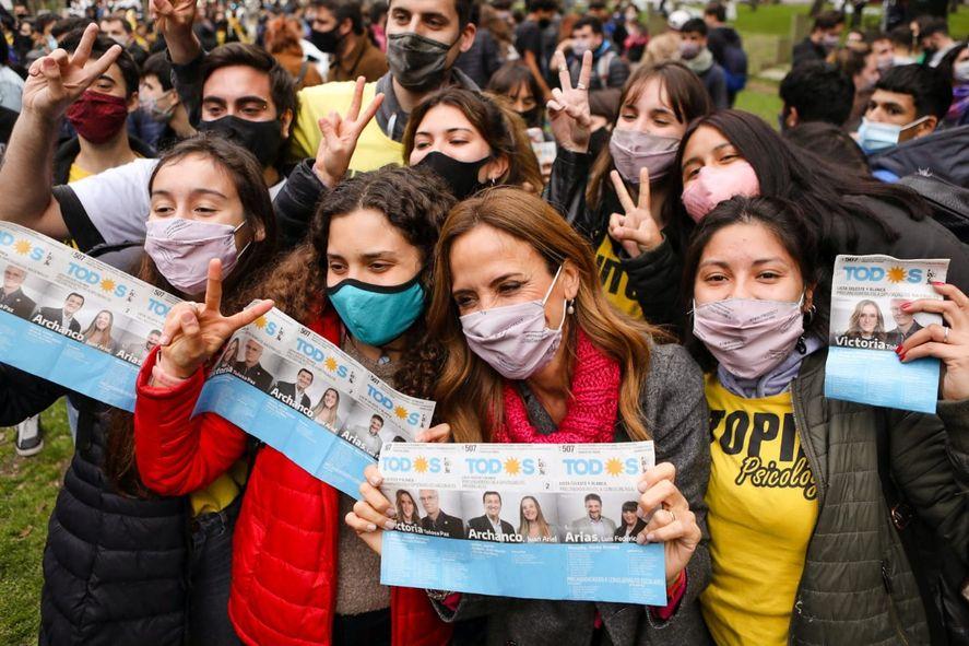 El acto fue un plenario de las juventudes con militantes del Frente de Todos en La Plata, de cara a las elecciones 2021.