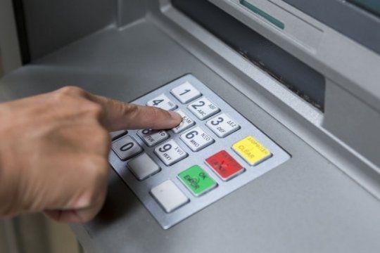 por el dia del bancario, manana no habra actividad en los bancos del pais