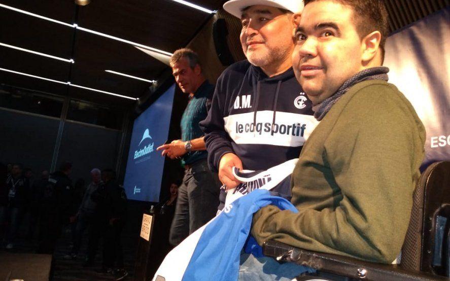 Milagros dentro de milagros: La historia del deportista que se quedó con la verdadera camiseta de Maradona