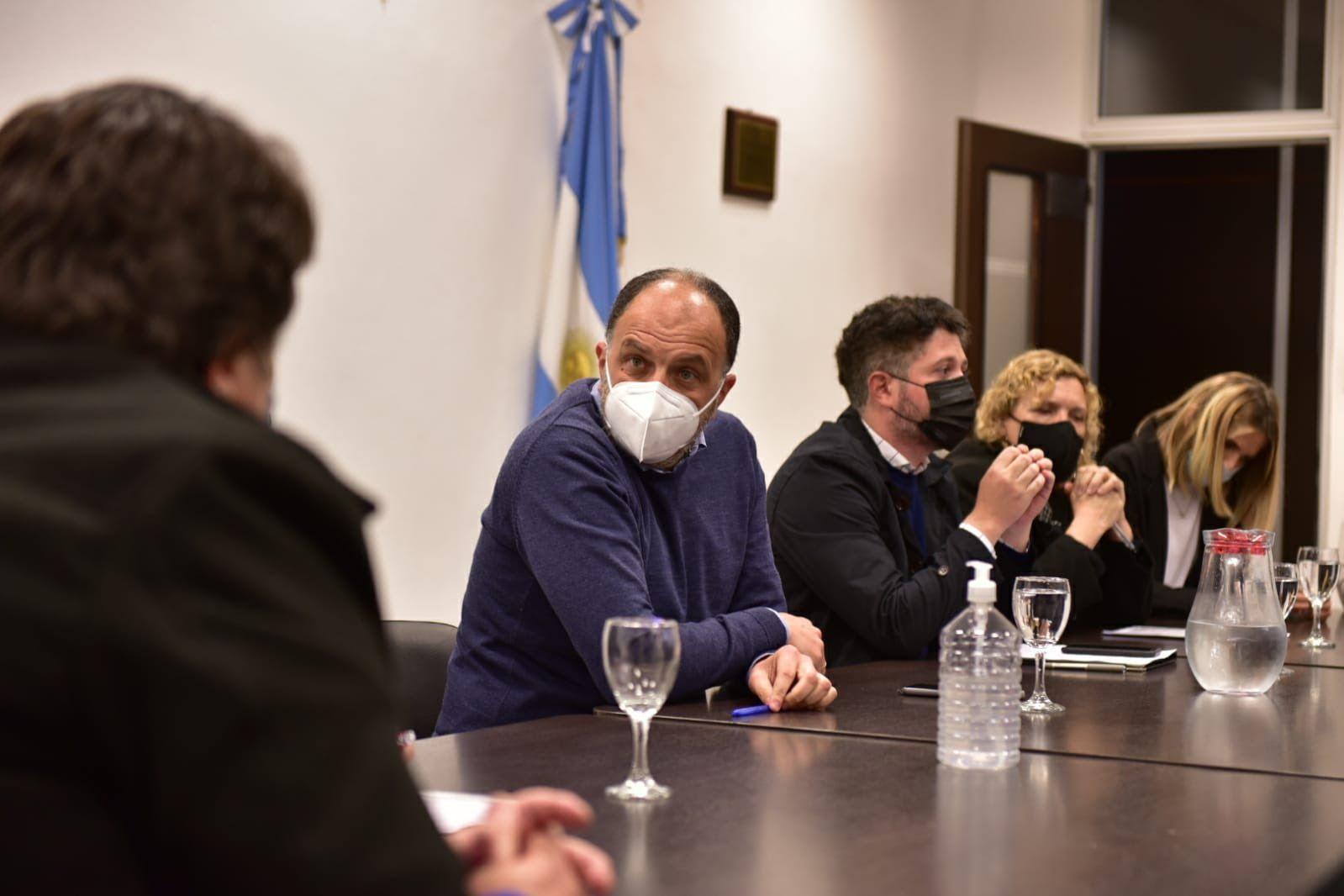 el frente renovador pide a agustina vila por docentes que podrian perder su trabajo
