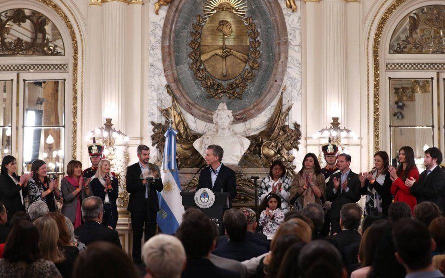¿Cuáles cloacas? Un informe del INDEC dejó en offside a Marcos Peña y a Macri