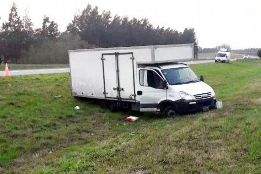 El camionero, de 26 años, sufrió un balazo en la cabeza