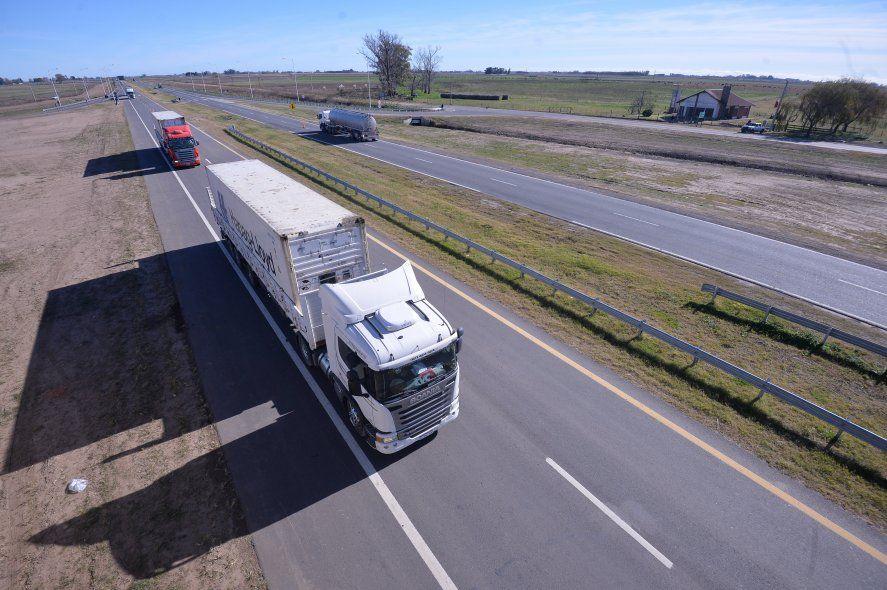 El tramo de la Ruta Nacional N°7 entre Chacabuco y Junín ahora es autovía de doble mano.