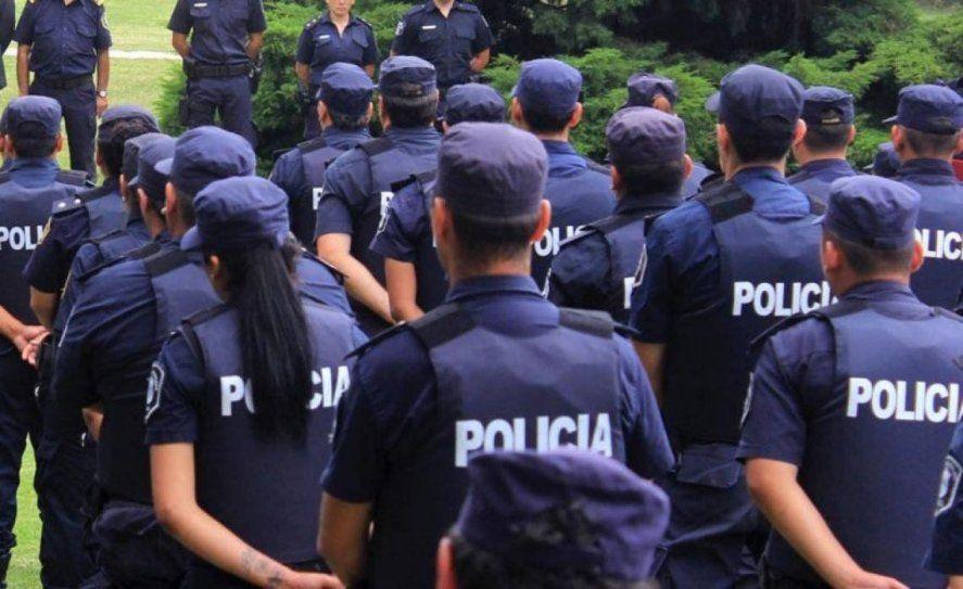 Cadetas de la bonaerense denunciaron a comisario por acoso