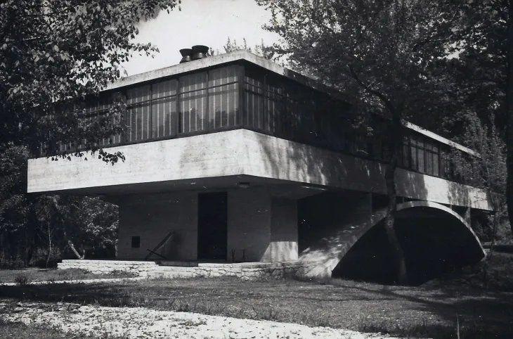 """La """"Casa del puente"""" o """"Casa sobre el arroyo"""", un tesoro arquitectónico de Mar del Plata"""
