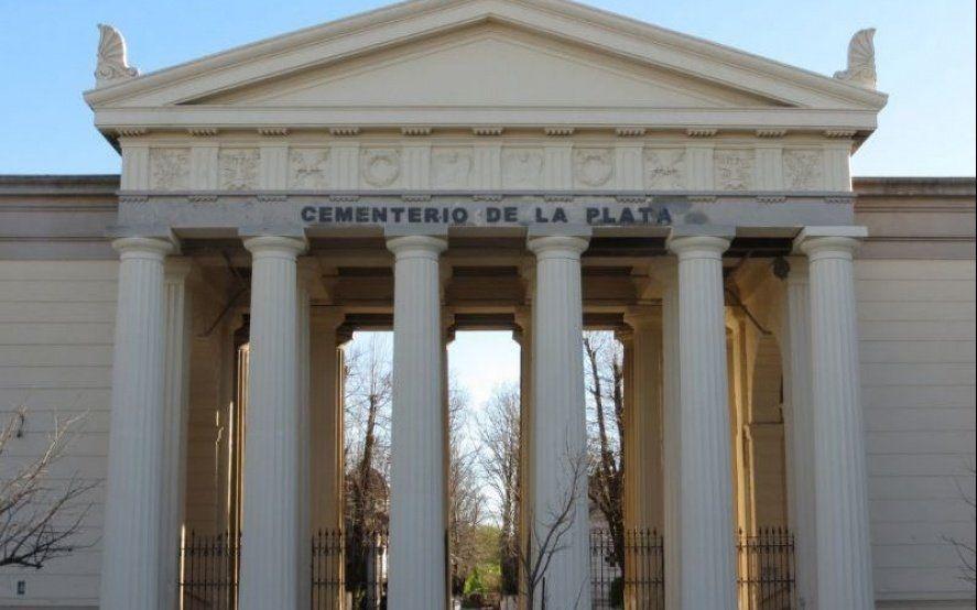 Se viene la visita guiada al cementerio platense: ¿cuándo es y cómo hay que anotarse?