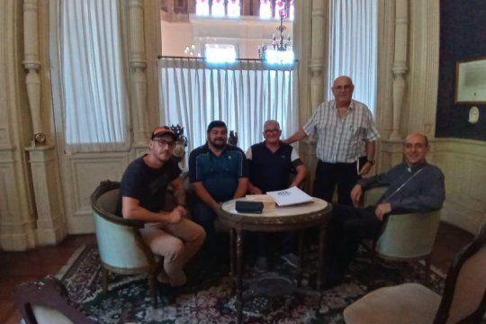 dirigentes de ate ensenada se reunieron con el arzobispo de la plata para avanzar con la reactivacion del astillero