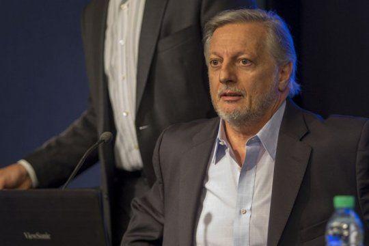 imputan al ex ministro aranguren por irregularidades en el aumento del precio del gas