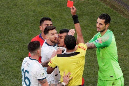 argentina le gano a chile, echaron a messi y lanzo un tendal de criticas