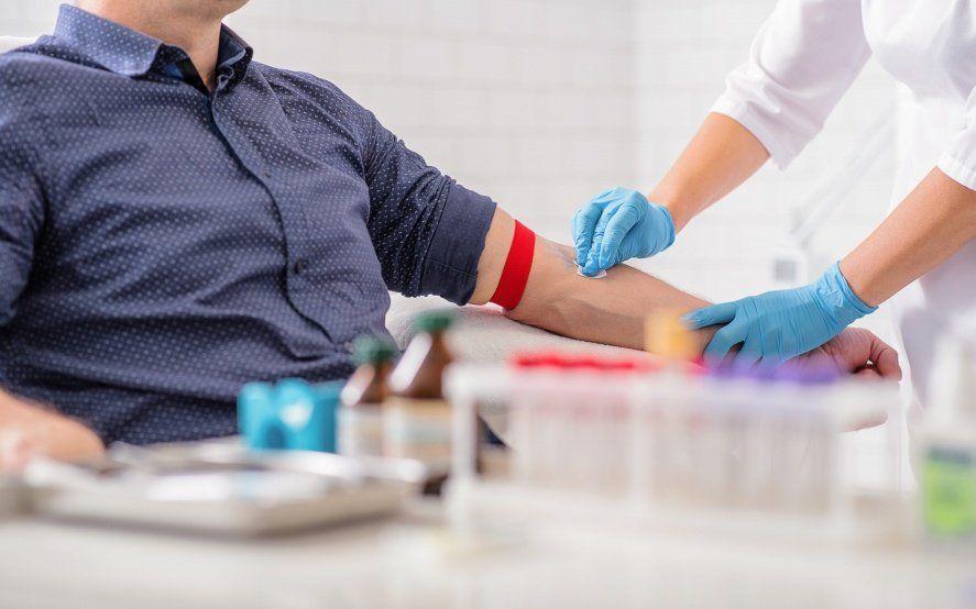 """""""Alguien te necesita, convertite en héroe"""", la campaña de la UNLP para convocar a donantes de sangre"""