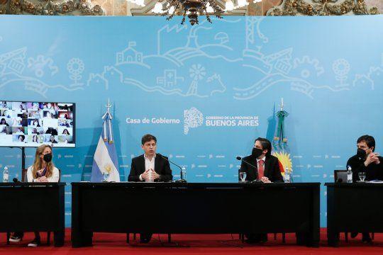 Axel Kicillof, Nicolás Trotta, y Agustina Vila, durante la conferencia de prensa el jueves pasado, sobre los programas ATR y de regreso a clases.