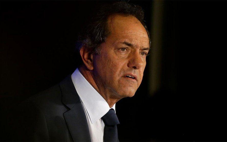 """Scioli no se baja como candidato y pidió competir en un """"frente electoral"""""""