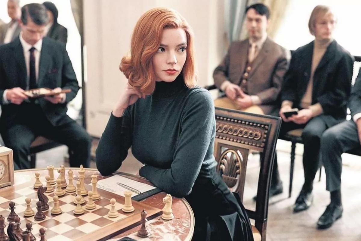 gambito de dama: una ajedrecista demanda a netflix por 5 millones de dolares