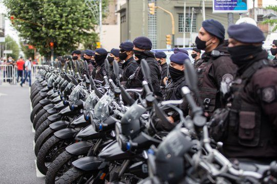 El Gobierno comienza el operaitivo para vacunar a policías bonaerenses