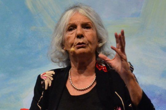 La ensayista Beatriz Sarlo reconoció que no recibió ninguna oferta por debajo de la mesa para vacunarse.