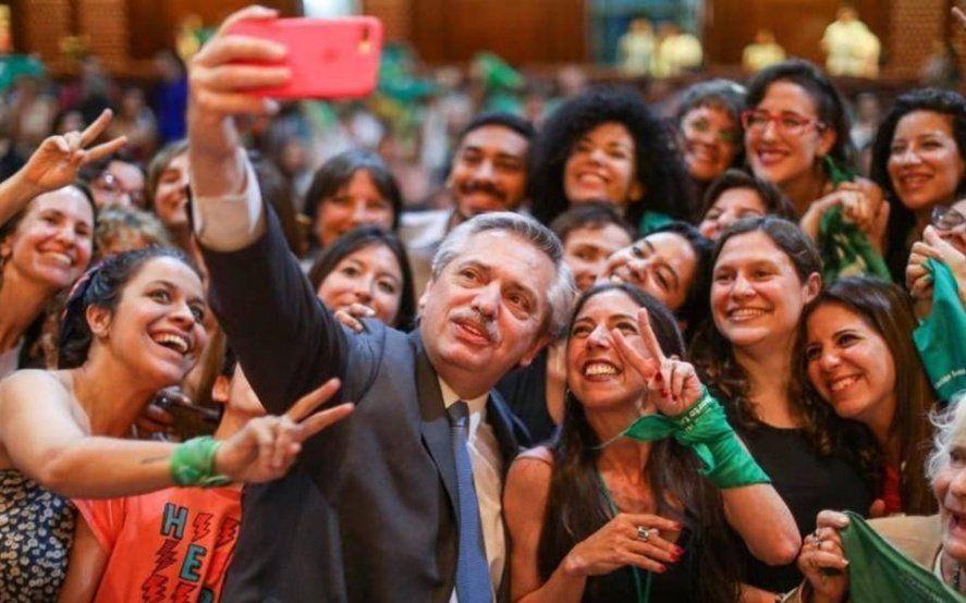 Fernández ratificó que impulsará la despenalización del aborto y la Iglesia le respondió con una convocatoria a Luján