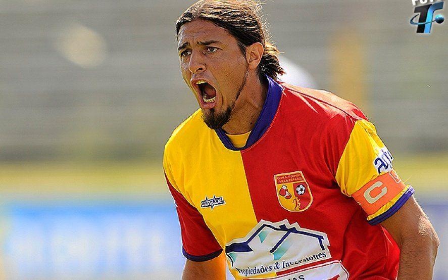 Misa o fútbol: la insólita cláusula de un jugador, para poder ausentarse si toca el Indio Solari
