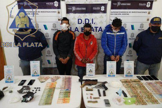 Los tres detenidos cayeron por vender drogas en el barrio San Cayetano
