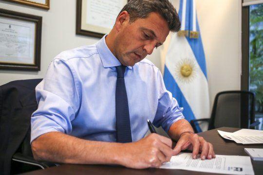 massa: ?si el mercado necesita senales, los argentinos necesitan respuestas urgentes?