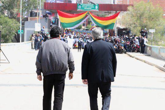 Evo Morales y Alberto Fernández caminaron juntos el Paso Internacional La Quiaca
