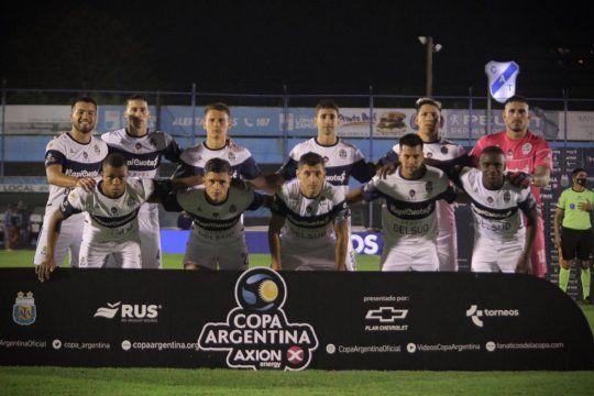 Nelson Insfrán titular en la goleada de Gimnasia 5 a 0 en Copa Argentina