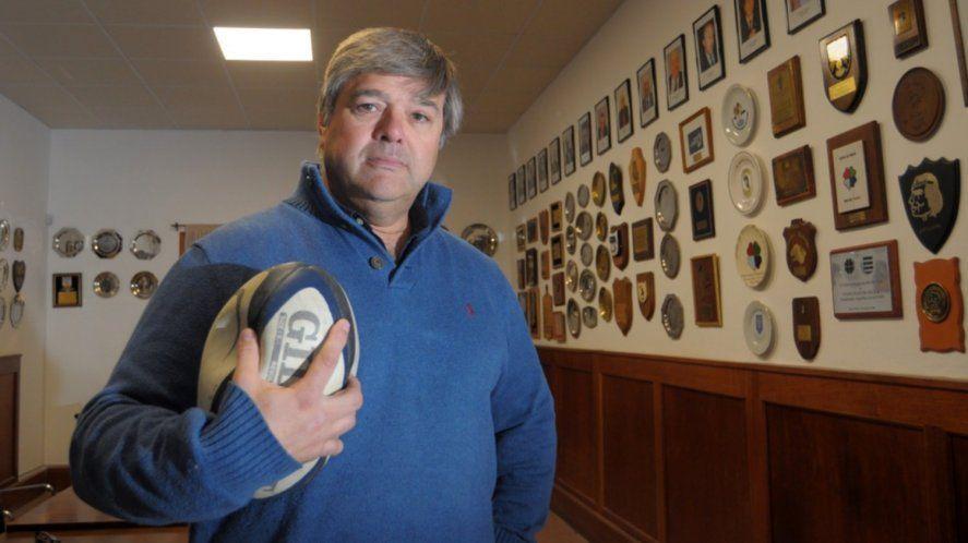 Dirigente del rugby manejaba borracho y chocó un patrullero