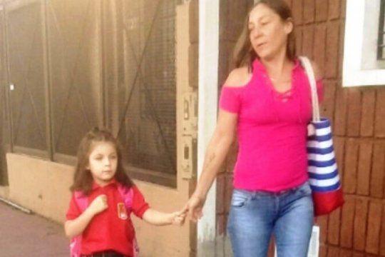 doble femicidio en lanus: asesinaron a una mujer de 40 anos y su hija de 7