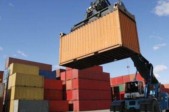 de la mano de las importaciones, el deficit comercial crecio casi 20 veces en un ano