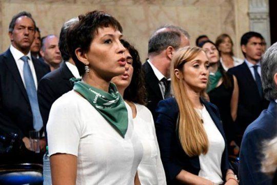 para el kirchnerismo, macri utiliza ?la agenda de las mujeres? como una ?cortina de humo?