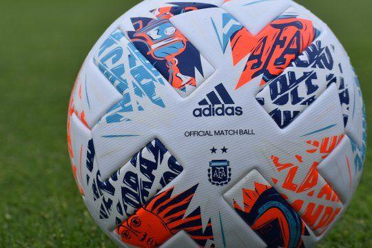 La Argentum 21 será la pelota oficial de la final de la Copa Maradona que podría tener cambio de fecha.