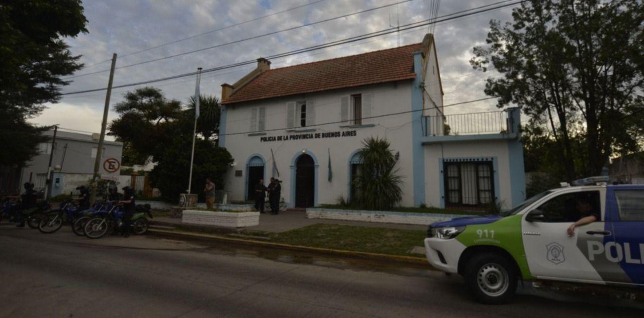 Investiga personal policial de la comisaría Décima de City Bell