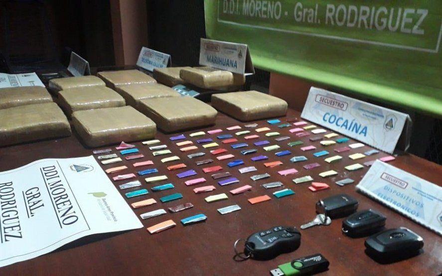Pasamanos, persecución y enfrentamiento armado culminó con el secuestro de 10 kilos de marihuana en José C. Paz