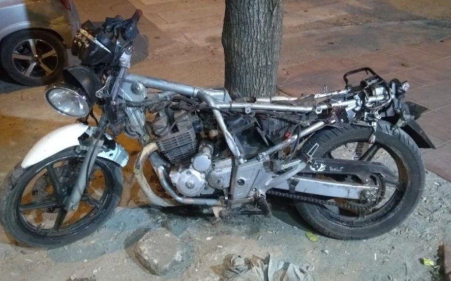 Mar del Plata: balearon a la hermana de un automovilista prófugo que mató a un motociclista en un accidente