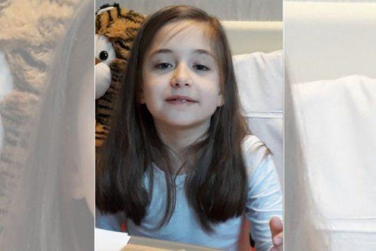 un donante para justina: tiene ocho anos y necesita un trasplante de medula osea