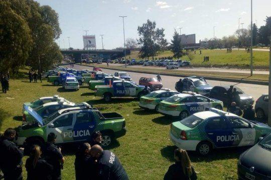 Berni negocia con la Policía Bonaerense en La Matanza. El Gobierno de Kicillof ya prometió un aumento