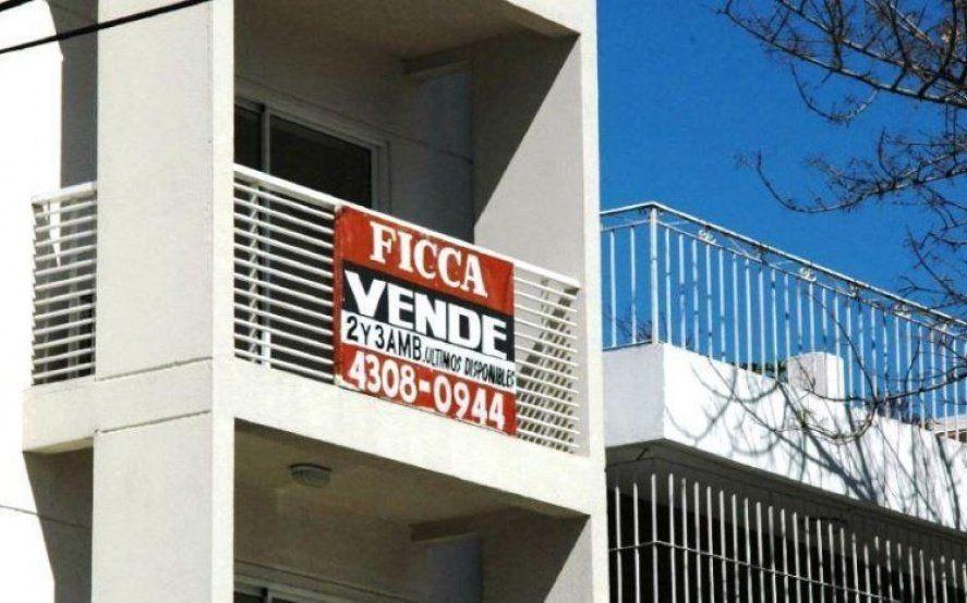 Con los créditos hipotecarios inaccesibles, la compraventa de inmuebles cayó más del 50% en la Provincia