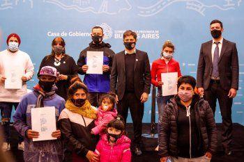 El gobernador Axel Kicillof y la ministra Teresa García lanzaron el programa que busca otorgar el derecho a la identidad a todos los habitantes de la Provincia.